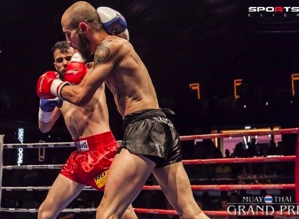 George Moustakis, professional Muay Thai athlete plays muay thai & talks about cbd & kannabis recovery